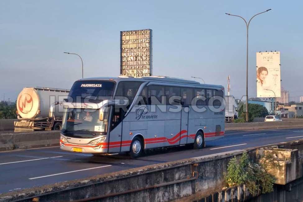 ibistrans.com harga sewa bus pariwisata white horse