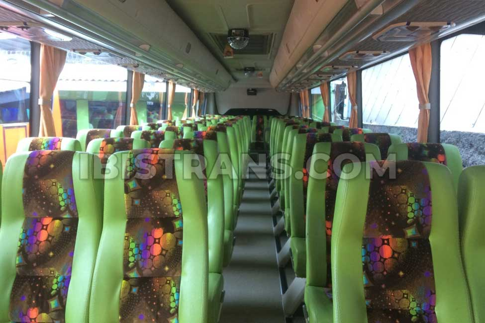 ibistrans.com interior sewa bus pariwisata mustika holiday