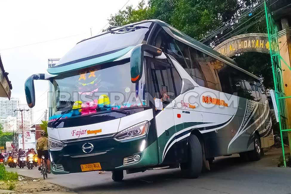 Ibistrans.com harga sewa bus pariwisata Fajar Transport