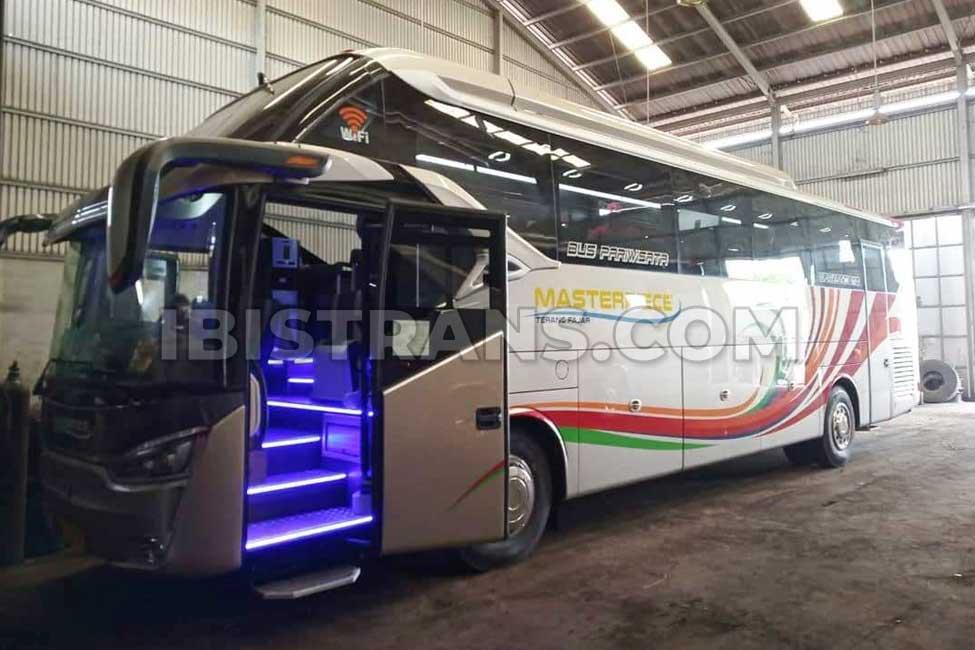 ibistrans.com foto sewa bus pariwisata masterpiece HDD 59 seat