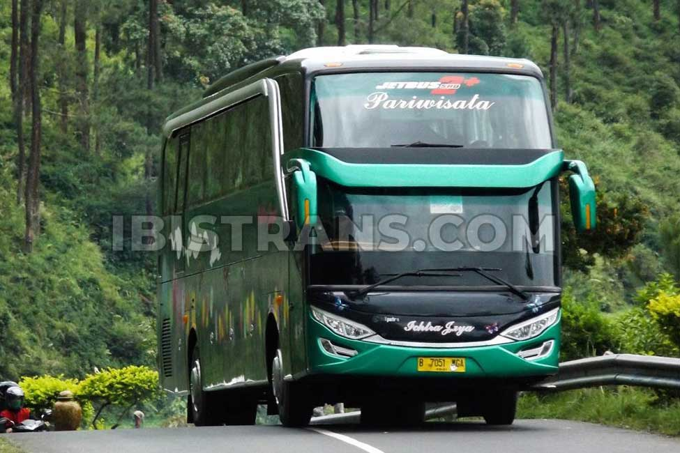 ibistrans.com bus pariwisata jakarta Ichtra Jaya Jetbus2 Adiputro