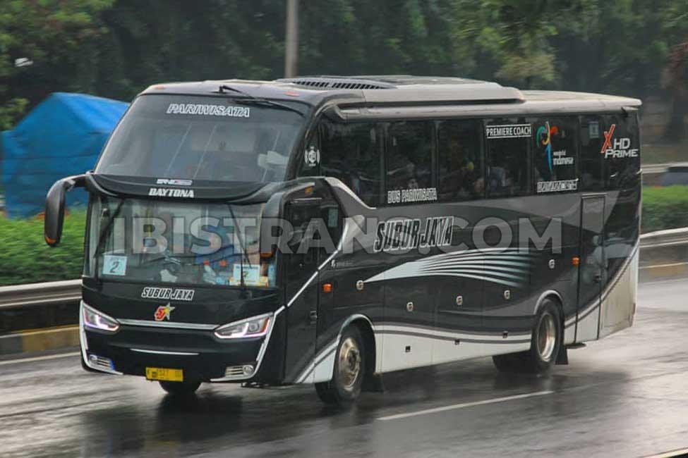 ibistrans.com foto bus pariwisata subur jaya legacy SR2 Prime Laksana