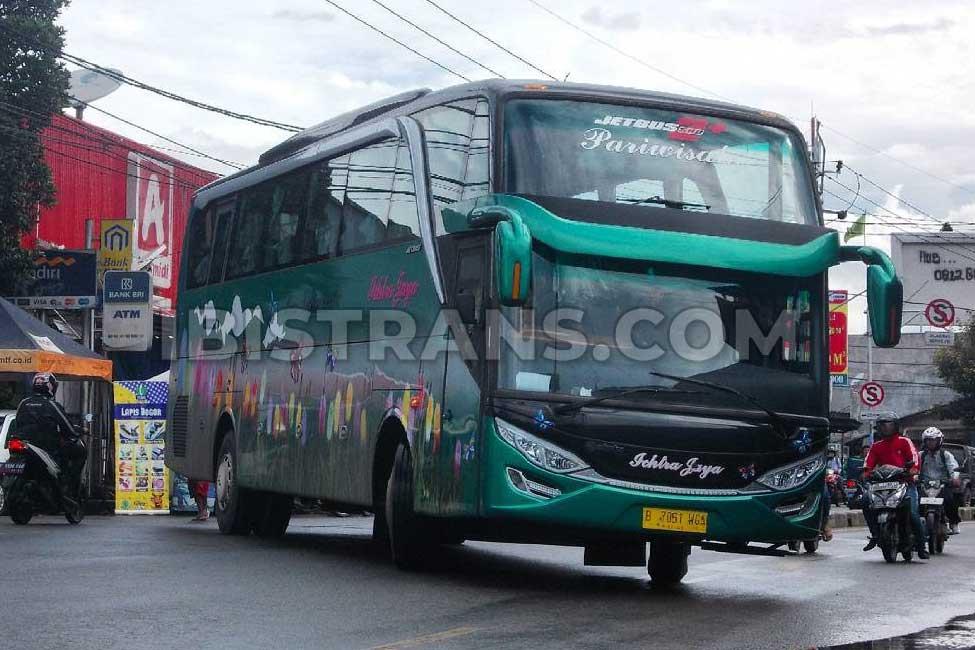 ibistrans.com foto sewa bus pariwisata Ichtra Jaya Jetbus2