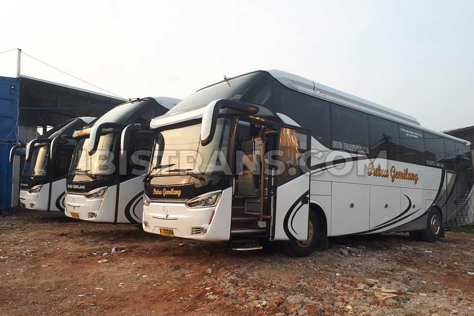 Foto Bus Pariwisata Rejeki Gemilang Laksana HD Prime