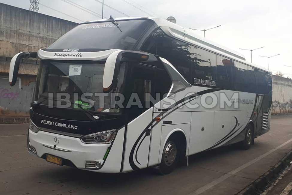 ibistrans.com bus pariwisata jakarta Rejeki Gemilang