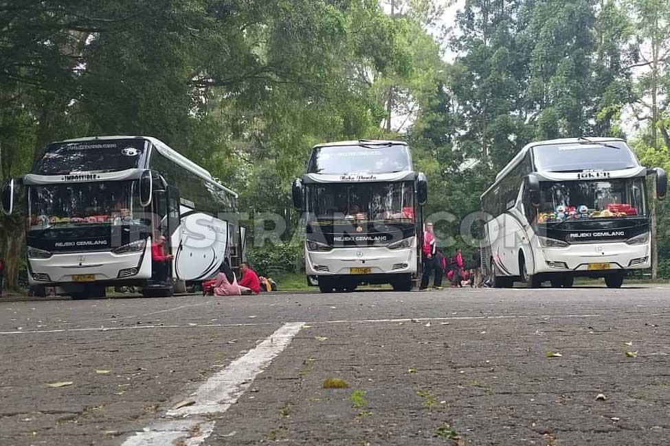 ibistrans.com sewa bus pariwisata Rejeki Gemilang