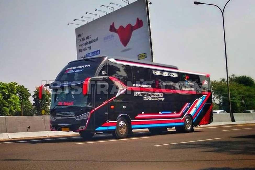 ibistrans.com foto sewa bus pariwisata sekawan wisata XHD Prime